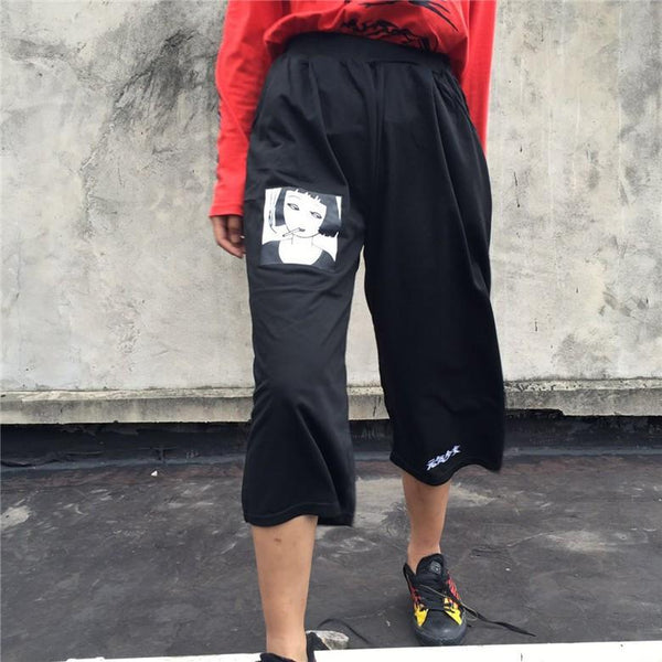 """SMOKING GIRL"" CAPRIS PANTS"