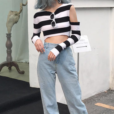 """CHAOTIC"" LONG SLEEVE CROP TOP"