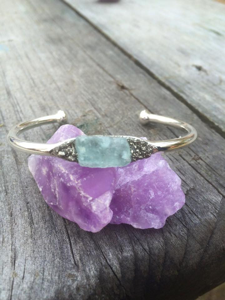 Silver Plated Bangle with Raw Aquamarine - Edward & Ashley Jewelry