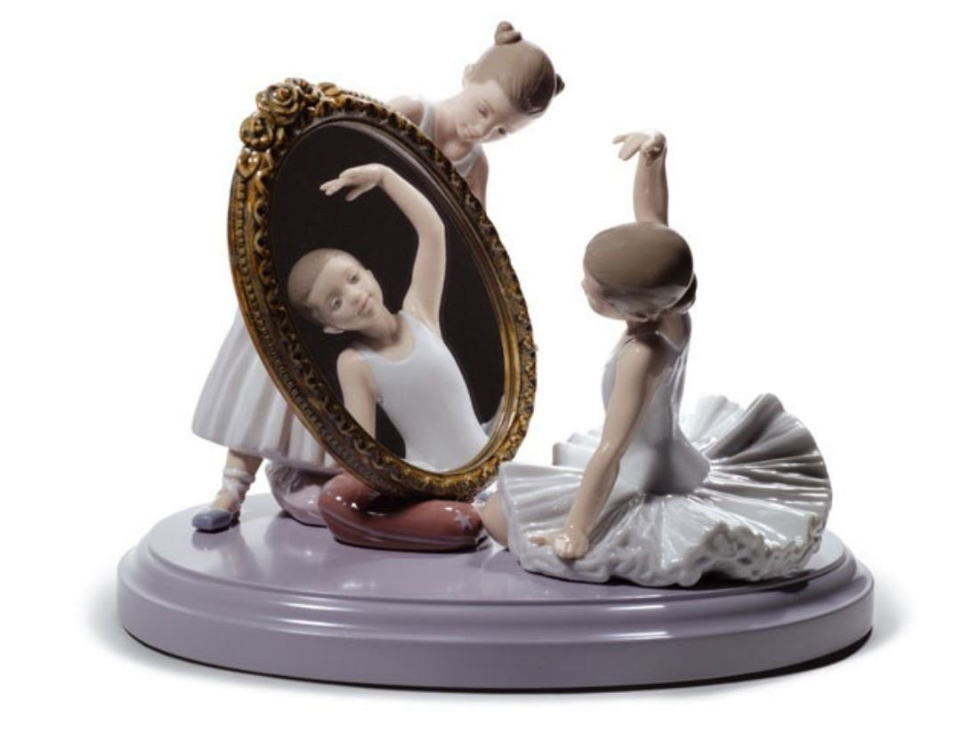 Lladro My Perfect Pose - china-cabinet.com