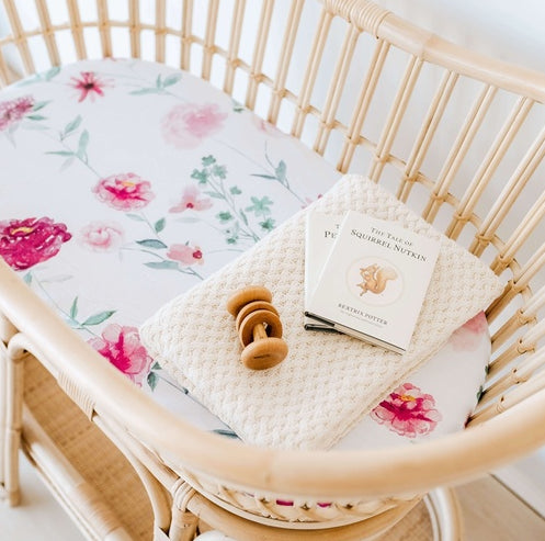 SNUGGLE HUNNY -Wanderlust | Bassinet Sheet / Change Pad Cover