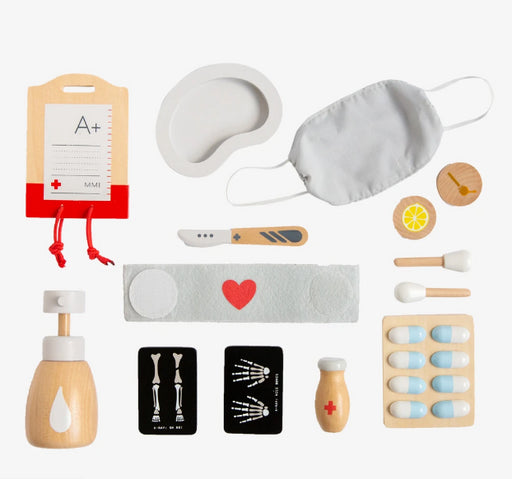 MAKE ME ICONIC TOY -  WOODEN SURGEON KIT