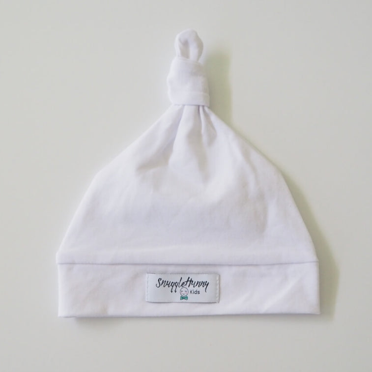 SNUGGLE HUNNY White Knotted Beanie
