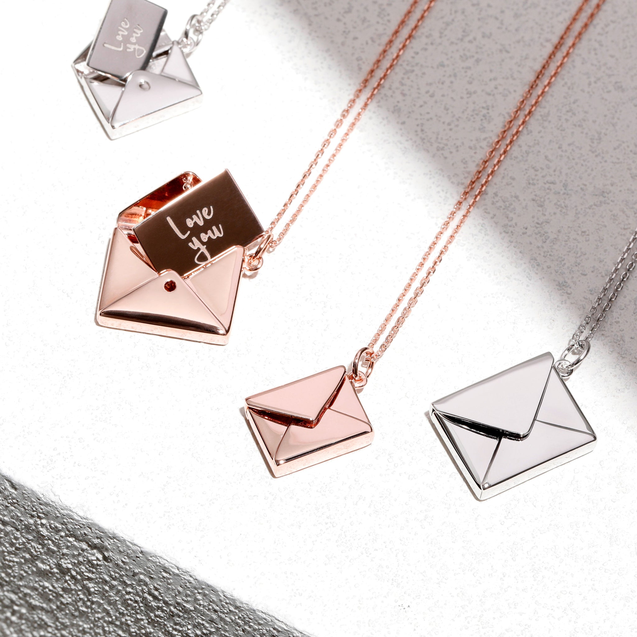 MINI LETTER - Necklace