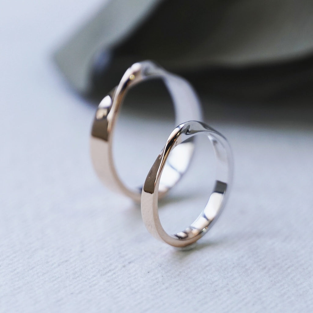 Mobius Wedding Ring set