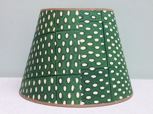 "12"" Green Closed Seed lampshade"