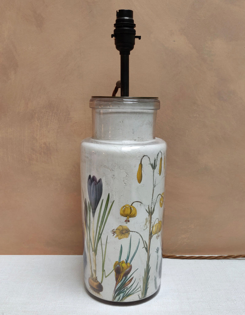 White Floral Decalcomania lamp