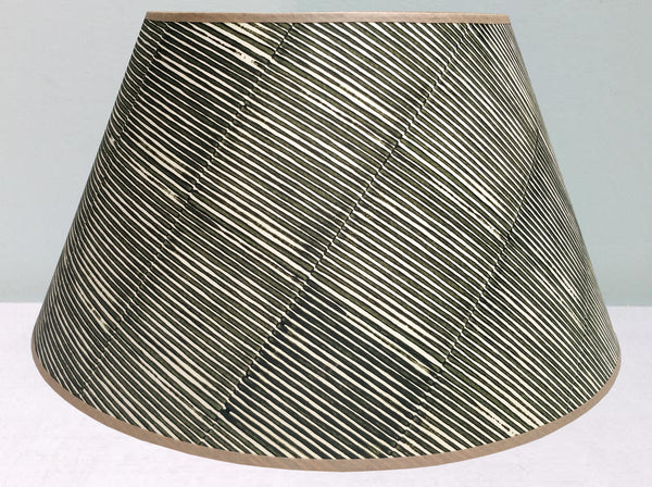 "20"" Thin lines, Sludge green lampshade"