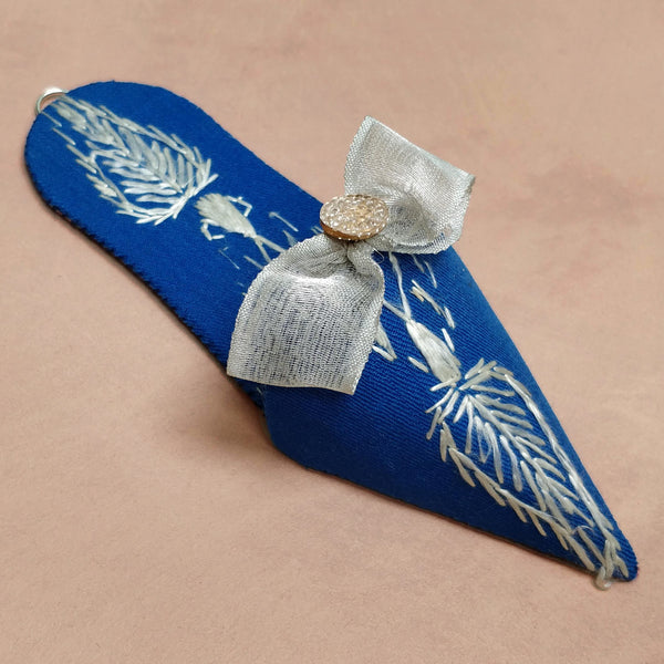 Embroidered floss turkish slipper