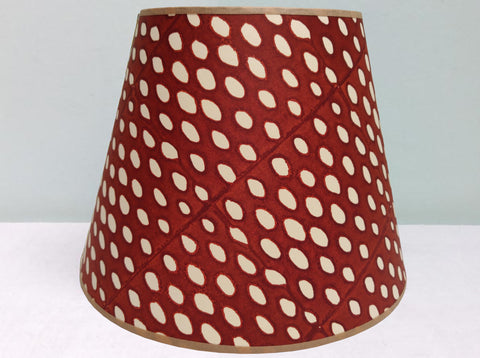 "10"" Foxy, Closed Seed Lampshade"