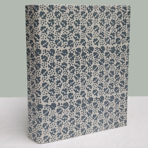 Grey French flower ringbinder