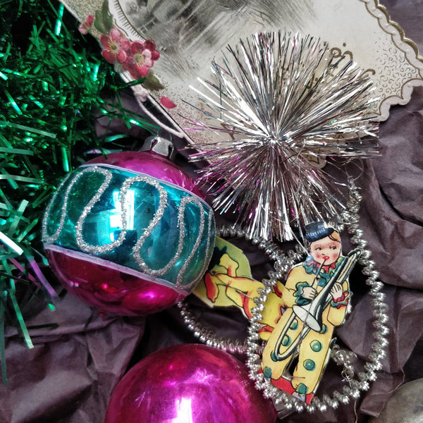 Vintage decorations 4