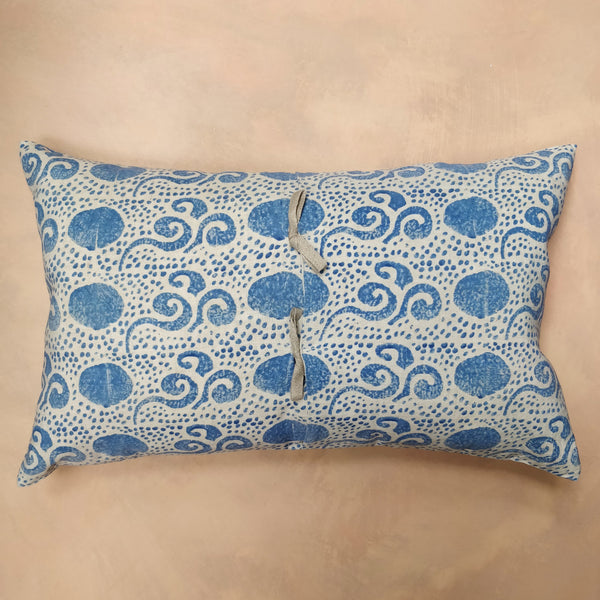 China blue, Open Chinese cloud cushion
