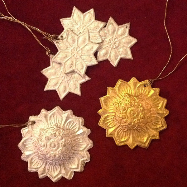 Pressed card star decorations