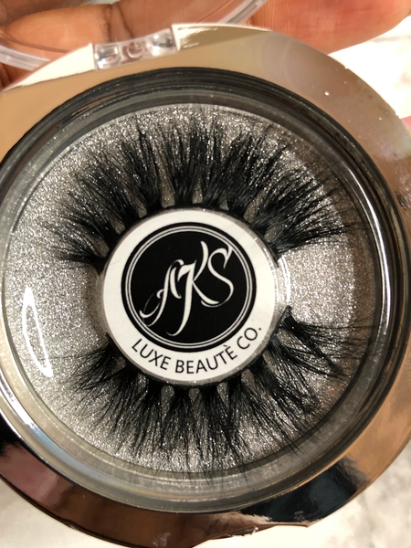 HIGH-END LASH