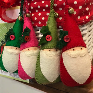 Saturday Crafternoon: Felt Santa Christmas Ornament