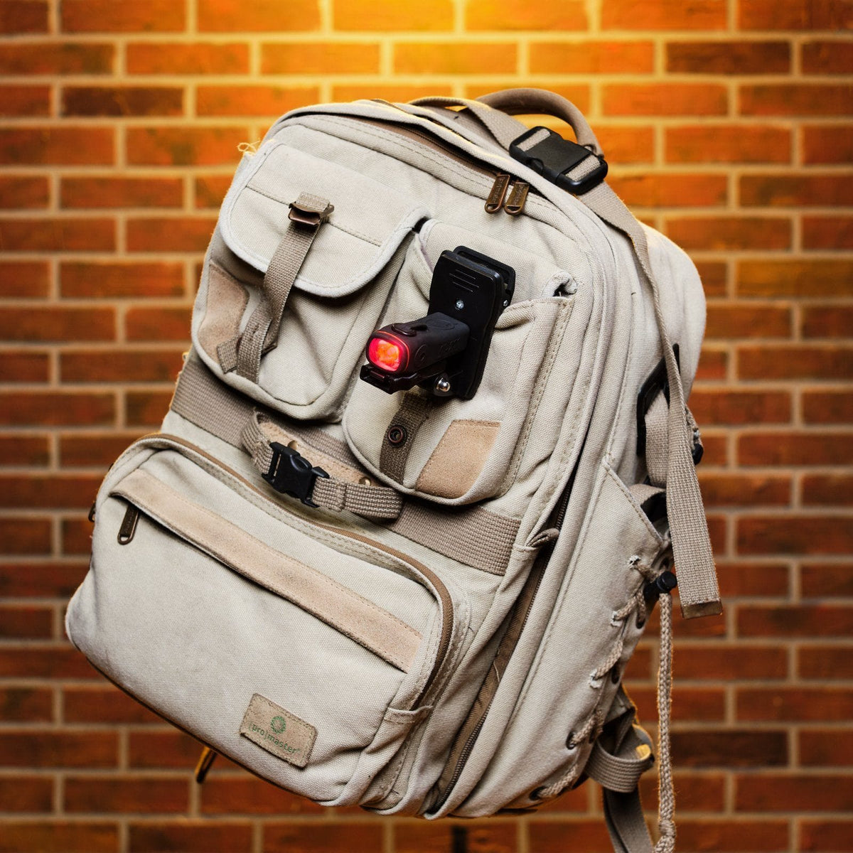 BLACK FRIDAY FREE ITEM - Backpack Single Pack (White) SL-200 ShredLights