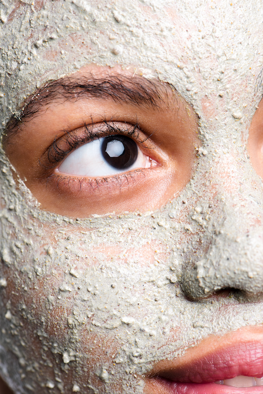 How to effectively use a clay mask