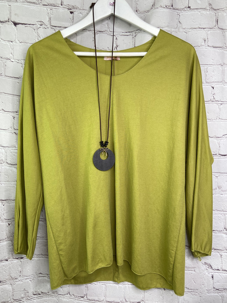 Plain Top with Necklace - Goose Island