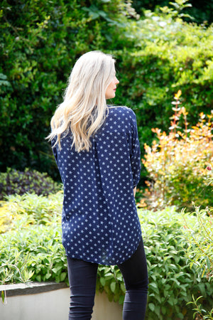 navy top with stars