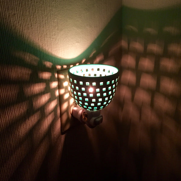 "round night light  ""squares all around""  white/aqua"