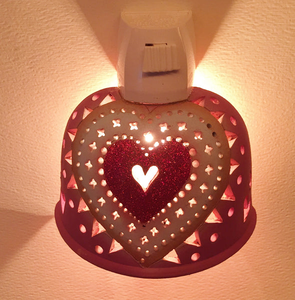 Half round night light red sparkle heart, surrounded with white, on hot pink
