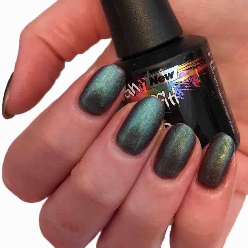 Oil Slick 15ml - UGGP-A0933 – Naio Nails