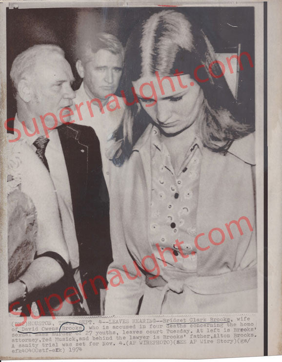 Bridget Brooks Wife of David Owen Brooks 1974 AP Photo - Supernaught True Crime Collectibles - 1