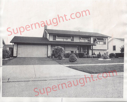 Frank Columbo Home Elk Grove IL 1976 press photo - Supernaught True Crime Collectibles - 1