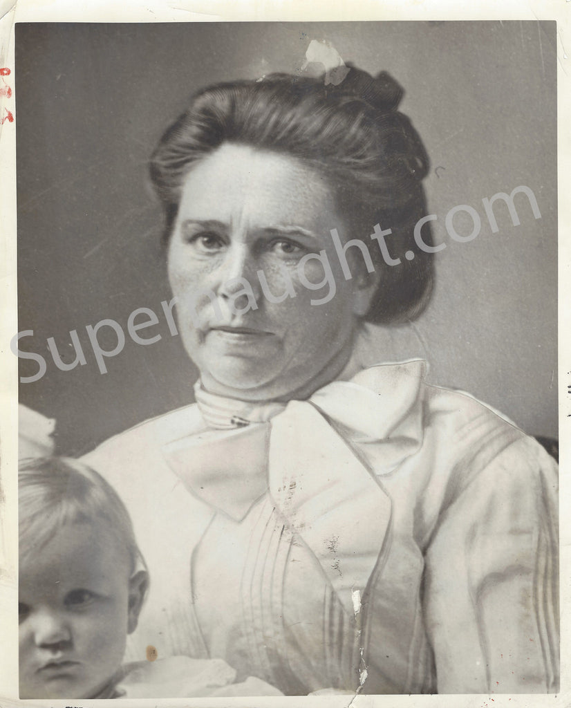 Belle Gunness Portrait with Child Press Photo
