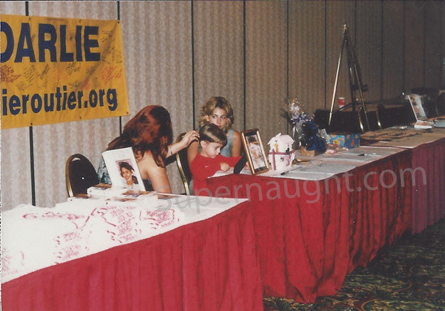 Darlie Routier 1999 fundraiser photo with note - Supernaught True Crime Collectibles
