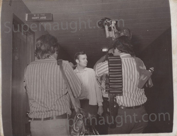Gerard Schaefer at courthouse 1973 press photo - Supernaught True Crime Collectibles - 1