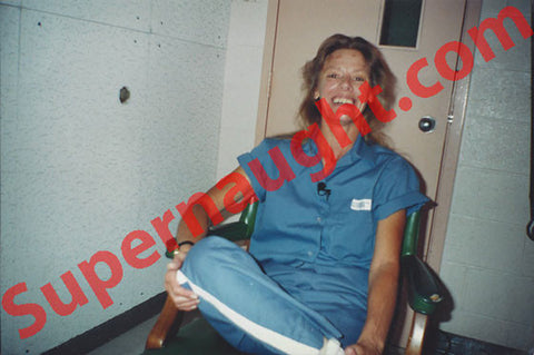 Aileen Wuornos 1997 death row photo signed - Supernaught True Crime Collectibles - 1