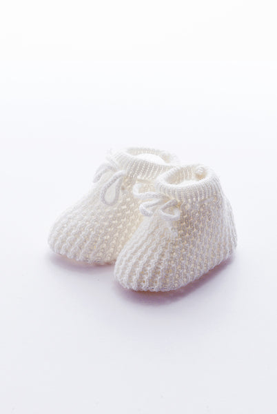 Knitted boots for baby