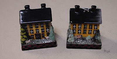 Pat Fisher Saltbox House Salt & Pepper Shakers - 3PAT023D