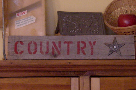 """Country"" in Red on Weathered Wood with Metal Star - 11416"