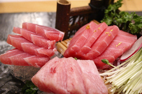 raw tuna sashimi