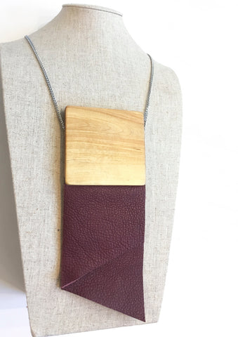 Extra-Large Crav Burgundy Necklace