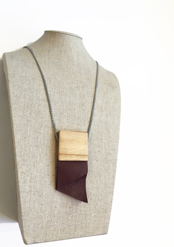 Crav - Medium-Large Burgundy Necklace