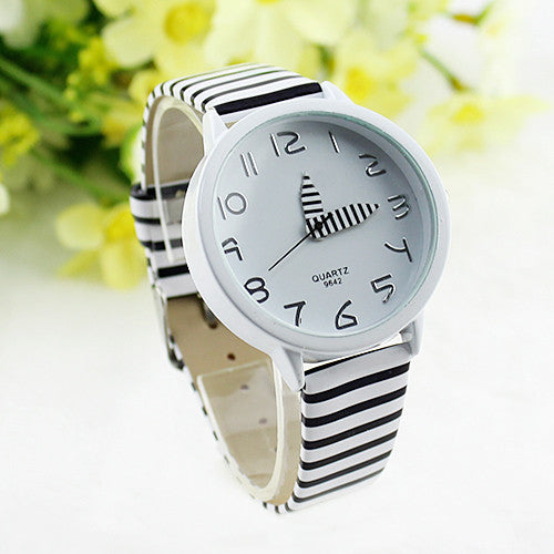 2017 New Hot Sale Womens Stripes Strap Color Round Case Casual Watches