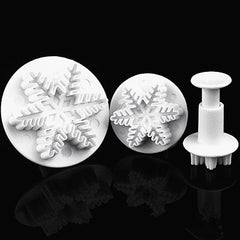 2017 New Arrival 3 pcs Sugar Cakes Baked Moulds Snow Flower Plastic Utensils Modeling Plunger Best Mold Tools Kitchen Gadgets
