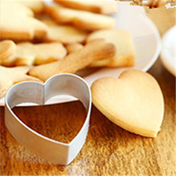 Loving Heart Shape Aluminum Biscuit Mould Bakeware Fondant Cake Mold DIY Sugarcraft 3D Pastry Cookie Cutters D872