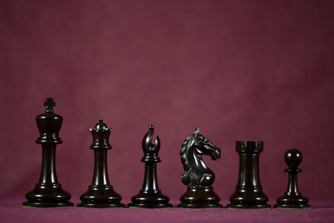 "The Knight Errant Chessmen - Ebony - 4.0"" King"