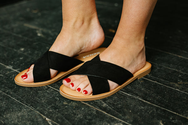 {Last Chance}  Lunacy Flat Sandals ~ Black *FINAL SALE*