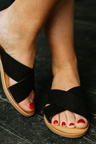 *NEW* Lunacy Flat Sandals ~ Black