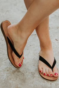 {Last Chance} Ella Sandal in Black *FINAL SALE*