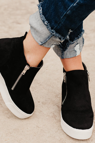 *NEW* Taylor High Top Black Shoe