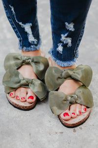 Camo Boardwalk Bow Tie Slide Sandals