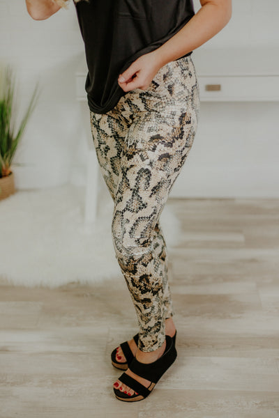 *NEW* Sarah Snake Print Leggings ~ Brown