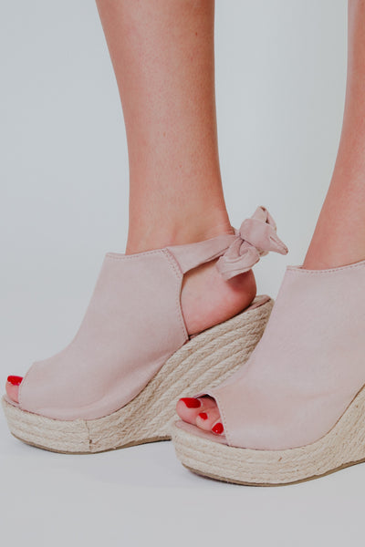 {Last Chance} Tie Back Wedges ~ Taupe
